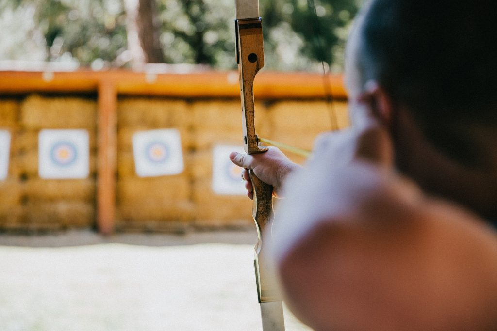 left-hand-archery-as-niche-product